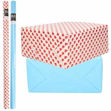 4x rollen kraft inpakpapier liefde/rode hartjes pakket blauw 200 x 70 cm kado