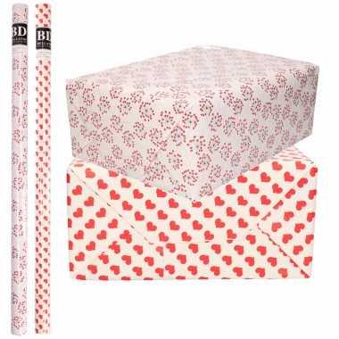 4x rollen kraft inpakpapier liefde/valentijn/hartjes pakket harten design 200 x 70 cm kado