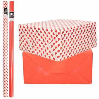 6x rollen kraft inpakpapier liefde/rode hartjes pakket rood 200 x 70 cm kado