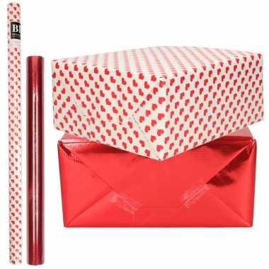 6x rollen kraft inpakpapier liefde/rode hartjes pakket rood metallic 200 x 70/50 cm kado