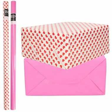 6x rollen kraft inpakpapier liefde/rode hartjes pakket roze 200 x 70 cm kado