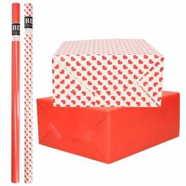 6x rollen kraft inpakpapier pakket rood/wit met hartjes liefde/valentijn 200 x 70 cm kado