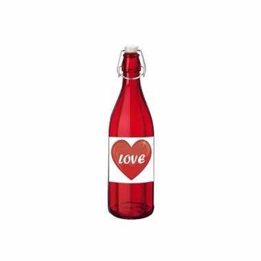 Liefdesdrank in glazen fles rood kado