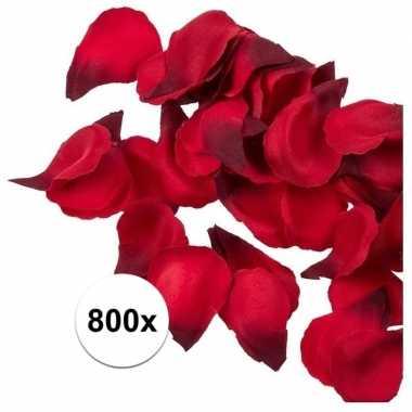 Valentijn 800x rode strooi rozenblaadjes 3 cm kado