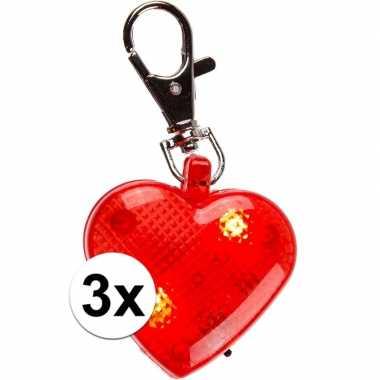 Valentijn hartjes sleutelhangers met licht 4 cm 3 stuks kado