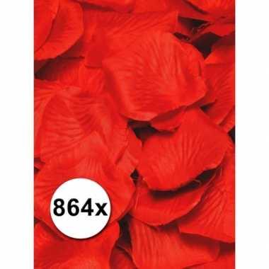 Valentijn luxe rode rozenblaadjes pakket kado