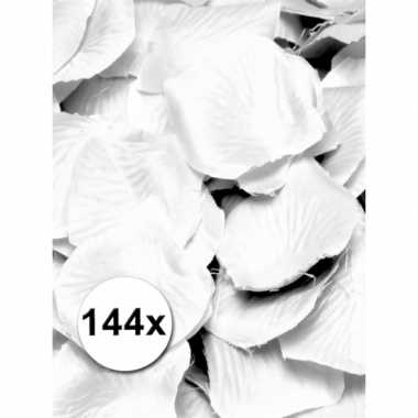 Valentijn luxe witte rozenblaadjes kado