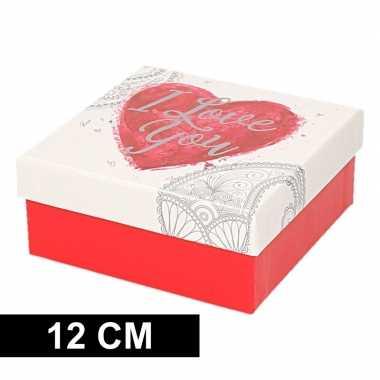 Valentijn rood/wit kadodoosje met hart 12 cm vierkant