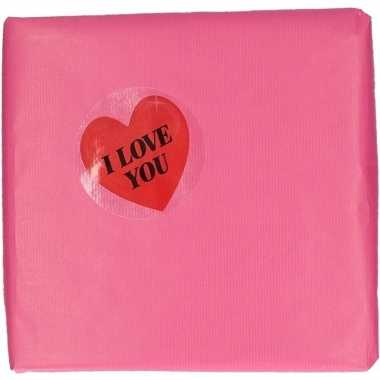 Valentijn roze kadopapier met hartjessticker