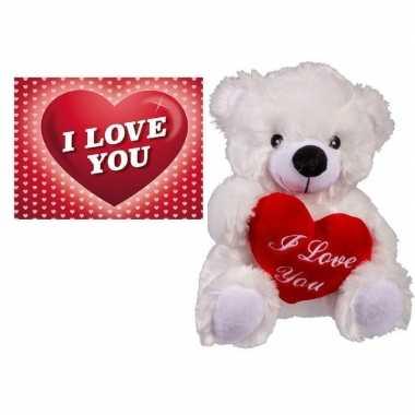 Valentijn valentijnsdag kado wit beertje met hartje en valentijnskaar