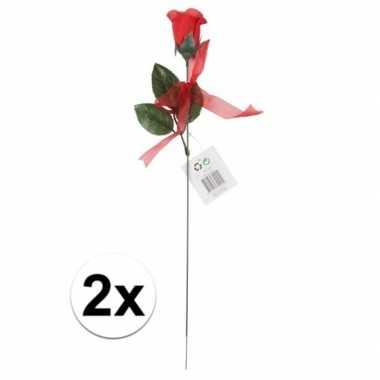 Valentijn voordelige rode rozen 2 stuks kunstbloemen 45 cm kado