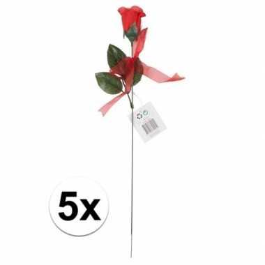 Valentijn voordelige rode rozen 5 stuks kunstbloemen 45 cm kado