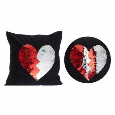 Valentijn zwart kussen met rood/witte omkeerbare pailletten 40 x 40 c