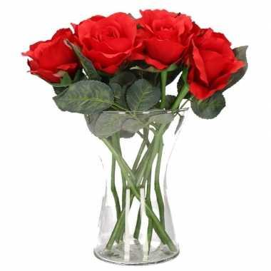 Valentijnskado 8 rode rozen in vaas