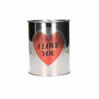 Valentijnskado blik met hartjessticker kado