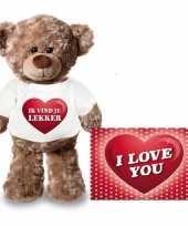Valentijn valentijnskaart en knuffelbeer 24 cm met ik vind je lekker shirt kado