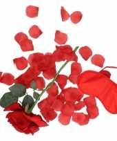 Valentijnskado verassingspakket rood masker kado