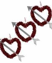 Voordeelset 10x rood valentijn bruiloft hangdecoratie hart met pijl 45 cm kado